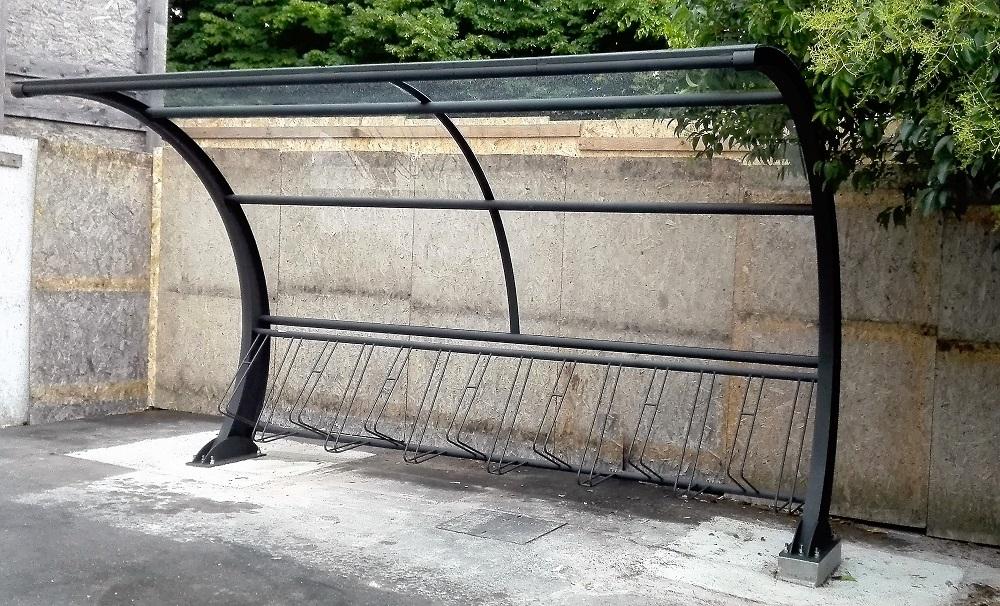 Pensiline portabiciclette coperto zampieri urban design - Portabici in legno ...