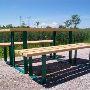 Tavolo con panche 2